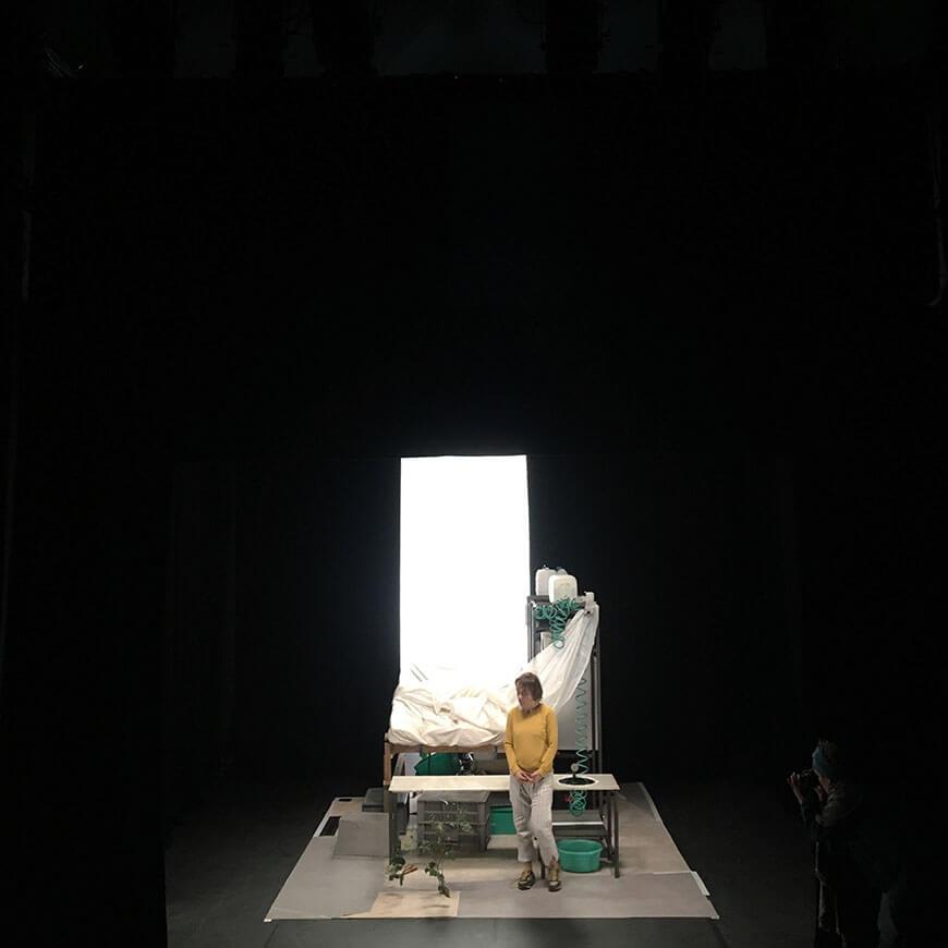 Scénographie théâtrale pour la compagnie Théâtre Amok par Menu Détail